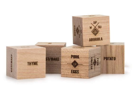 laser-engraved-wooden-dice